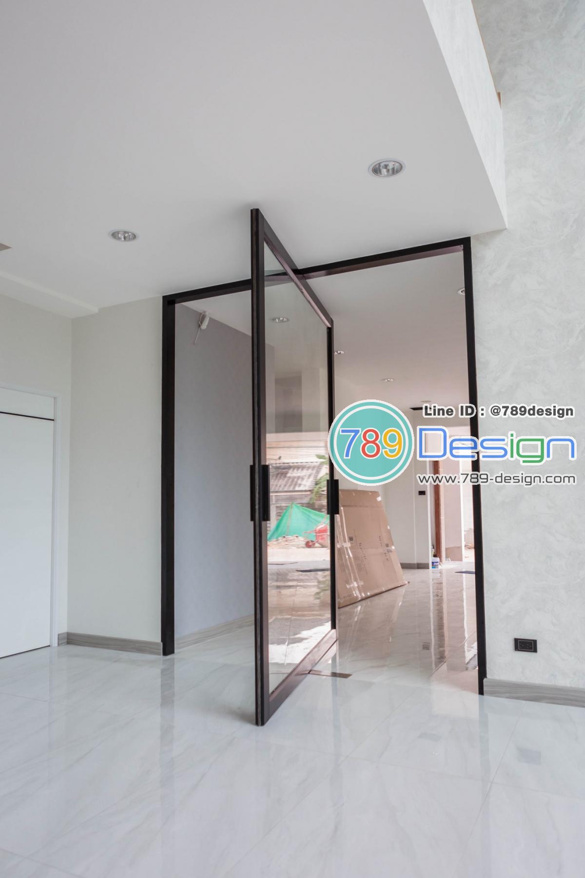 บานจุดหมุนโช็ค360' กระจกใส่8มิลเทมเปอร์ กว้าง.230แท x สูง270cm